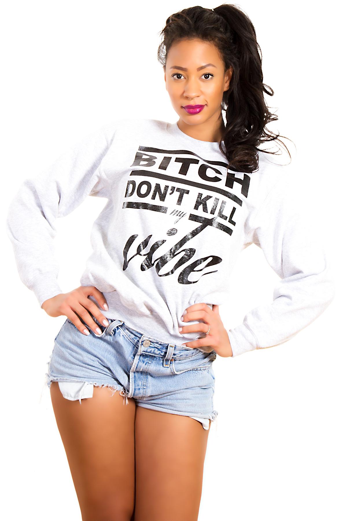 Hyori Bitch Don't Kill My Vibe Sweatshirt in Gray for Women